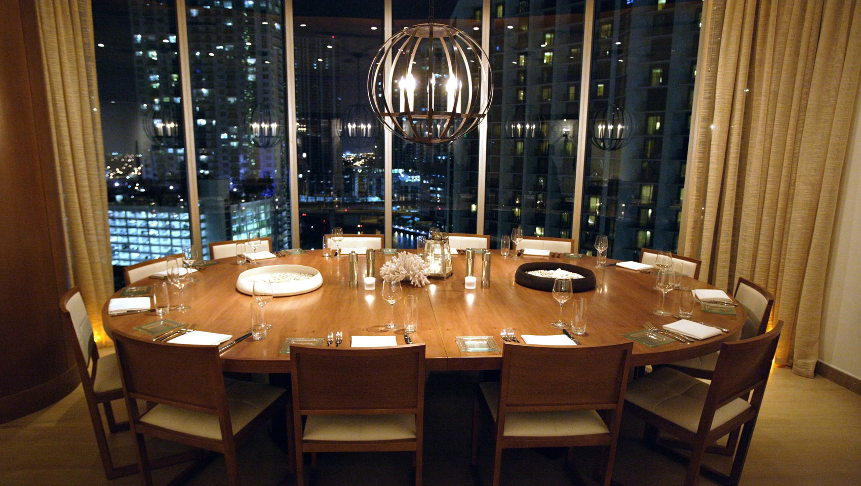 Luxury boutique miami hotel photos kimpton epic hotel for Best private dining rooms miami
