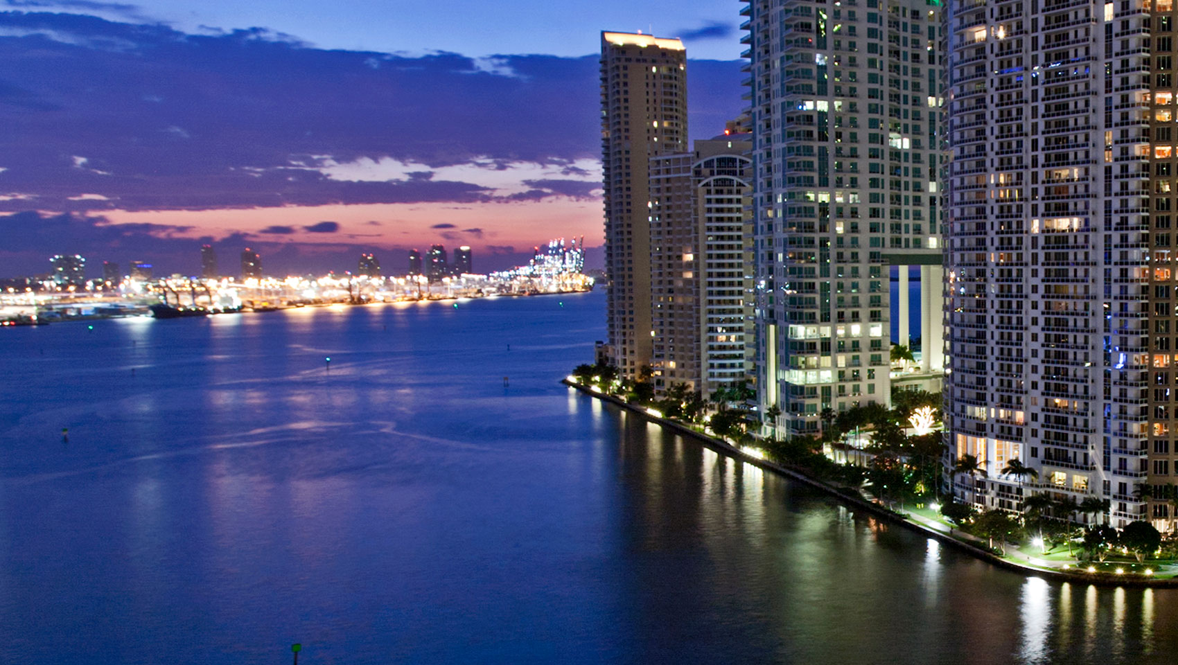 Restaurants Near Kimpton Epic Miami