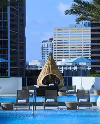 hotels in downtown miami kimpton epic hotel. Black Bedroom Furniture Sets. Home Design Ideas